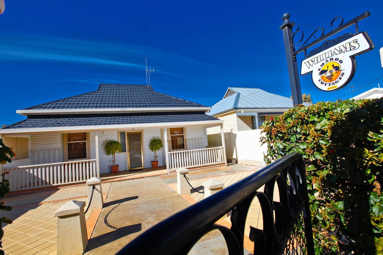 Emaroo Cottages Broken Hill